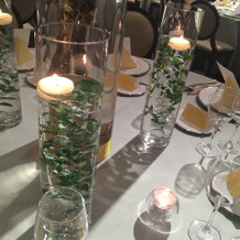 テーブル装花と演出小物