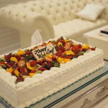 フルーツたくさんのケーキ