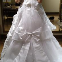 実際に着たウエディングドレス(後ろ)