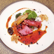 牛肉とフォアグラのメイン料理
