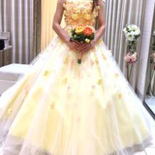 試着したカラードレス2