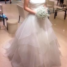 白ドレス Aライン シンプル