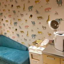 子供のオムツやミルクをあげる部屋です。
