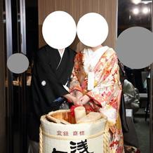 祝樽。乾杯は日本酒