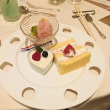 ケーキの盛り付けも可愛かったです!