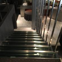 入場時の階段