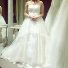 こちらはプラン内のドレスにプラス数万円