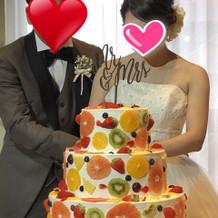 フルーツたくさんのウエディングケーキ!