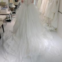Aタイプのドレス