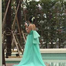 カラードレス・ヘッドドレス