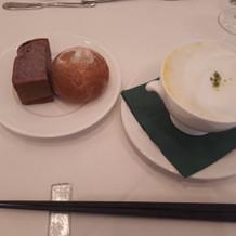 黒米粉のパンは不思議な食感でした