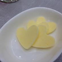 パン用のバターはハート型