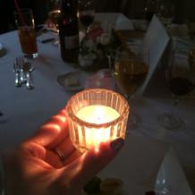 キャンドルリレーで、暖かな光をつなげます