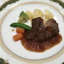 牛ロースのステーキ 和風オニオンソース