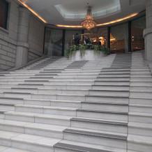 会場入り口の階段