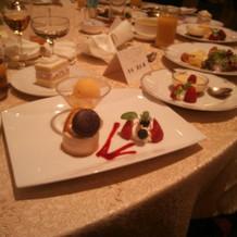 デザートの盛り付けがきれいでした。