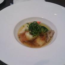 スープ仕立ての白身魚が上品で良かった