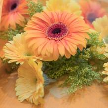 贈呈用花束。色みのみ指定可。