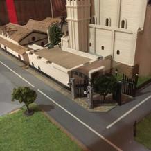 館内にある式場の模型です。