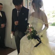 初めての娘の結婚式で 緊張しました。