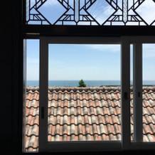 迎賓館二階から見える海。