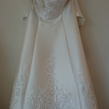 シンプルなドレス