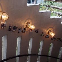 階段に写真