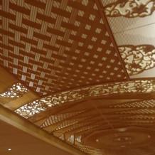 神殿の天井