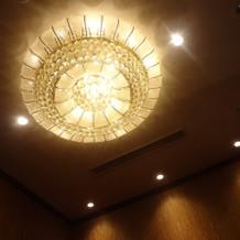 控室内の照明