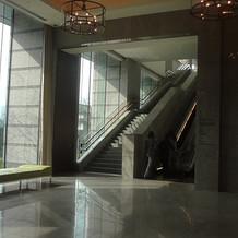 ホテルから挙式フロアへのエレベーター