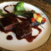 お肉は美味しい、野菜の新鮮さが微妙