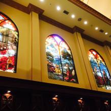ステンドグラスが綺麗です