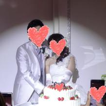 ケーキ入刀時の照明が綺麗でした