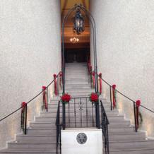 教会向かいの階段