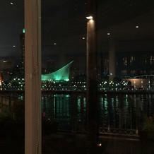 このような夜景を会食場から見渡せます。