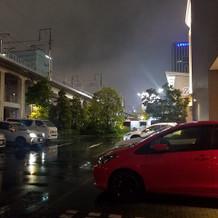 駐車場はせまいです