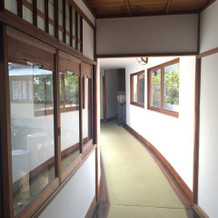会場を移動する廊下