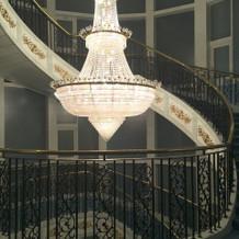 2階から見たシャンデリア