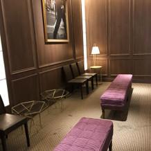 待合室はとても落ち着いた雰囲気でオシャレ