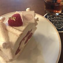 ケーキの試食でした。