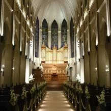 とても広々として荘厳な大聖堂。