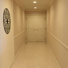 待合ロビーの廊下