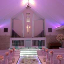 式場のライトは、好きな色に設定できます