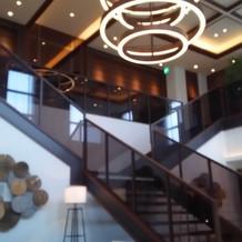 披露宴会場につながる階段