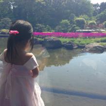 会場内からみえる庭園はとても綺麗でした。