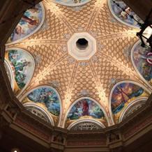 ロビーの天井