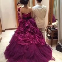 お気に入りのカラードレスです