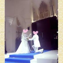 チャペルにて公開プロポーズ