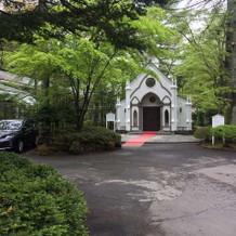 教会の外観。