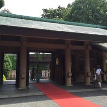 本殿に入る前の門